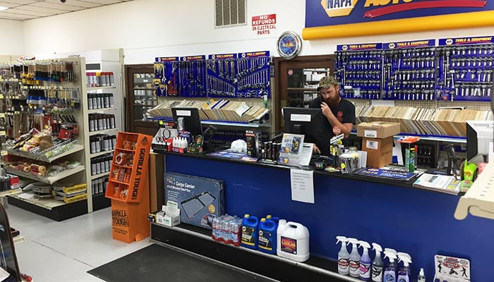 Ham's NAPA Auto Parts - Reynolds, GA Parts Counter